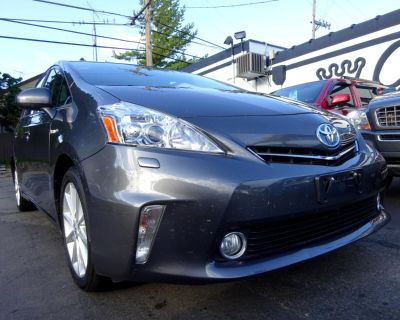 2013 Toyota Prius V 5dr Wgn Two (Natl)
