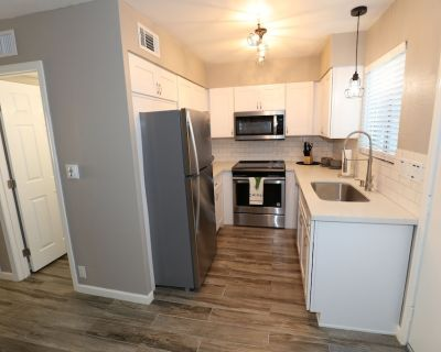 Freshly Remodeled Townhouse in Old Town Scottsdale! - Scottsdale