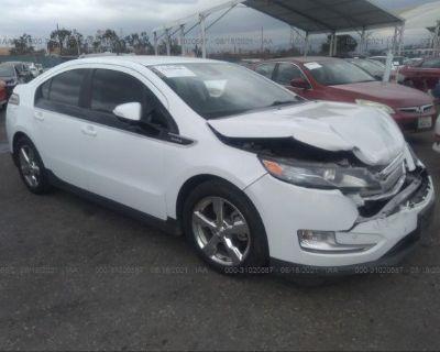 Salvage White 2014 Chevrolet Volt