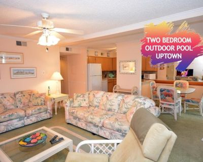 Spacious 2 bedroom condo with WiFi, an outdoor pool located uptown on the bayside and less than five blocks from the beach! - North Ocean City