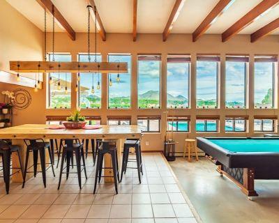 3200ft Pool Hot Tub Billiards Sleeps 18 & Mtn Views - Albuquerque