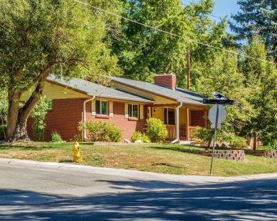 Private Suburban Suite - Allendale Area