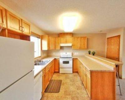 1010 Wilkes Ave, Winnipeg, MB R3P 2S4 3 Bedroom Apartment