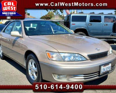 1998 Lexus ES 300 Luxury Sedan MnRoof 6DiscCD HeatSeats Only 89kMile