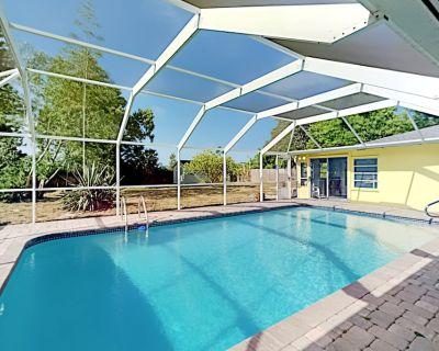 Private Pool Paradise Screened Patio & Grill Foosball & Shuffleboard - Whitfield Estates