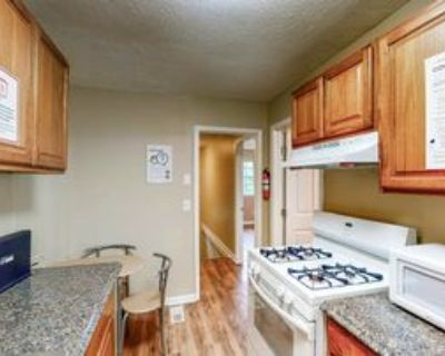 Room for Rent - Lithonia Home, Lithonia, GA 30058 3 Bedroom House