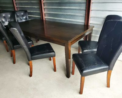 Large NICE TABLE AND 6 CHAIRS