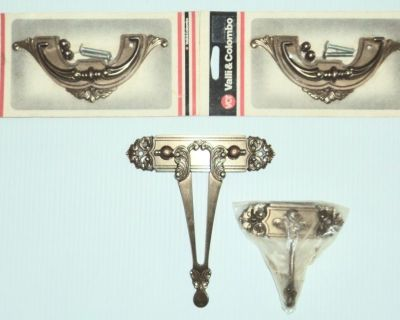 New - Two Vintage Antique Valli & Colombo Brass Drawer Pulls and Two Center Pulls