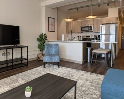Impeccable 1BR with Gym and Pool + Parking