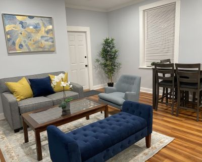 Remodeled Spacious Apartment in Perfect Location - Packard's Corner