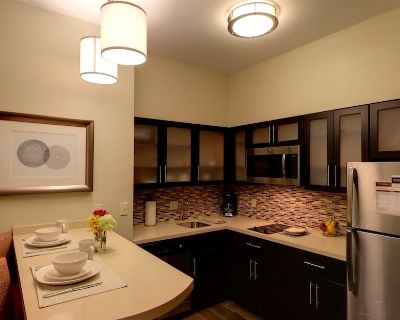 Close to University of Michigan + In Research Park | Indoor Pool + 24 Hour Fitness Center - Bryant Pattengill East