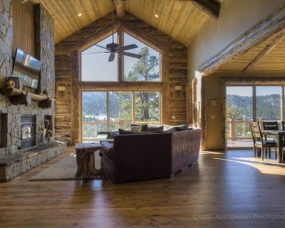 Luxury cabin & furniture - 2 Large Main Rooms, Pool Table, Theater Room - Upper Moonridge
