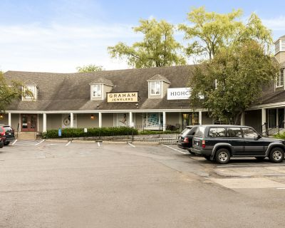 Main Street Retail/Office Space for Lease on Wayzata Bay