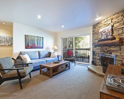 Ski IN/OUT Park City Resort. Walk to Old Town. Amazing location! Charming home. - Park City