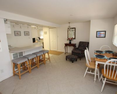 Steps to the Beach, is a Perfect one Bedroom Duplex! - Rehoboth Beach