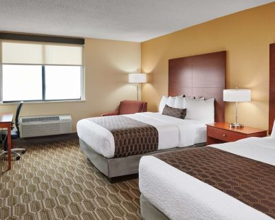 Best Western Plus Milwaukee Airport Hotel & Conference Ctr - Milwaukee