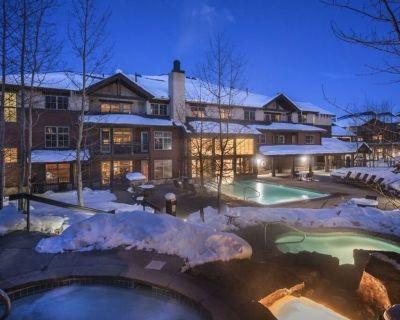 Luxury-Ski in Ski Out-Spring Break-Heated Garage-Free Shutte - Breckenridge