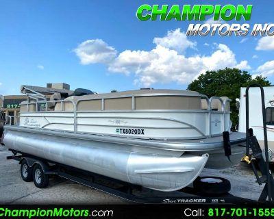 Used 2017 Sun Tracker Party Barge RF 22 DLX Pontoon Boat w/Mercury 150hp 4S