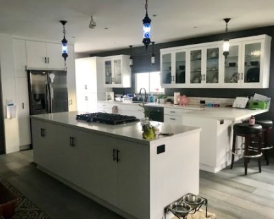 Newly Remodeled, Spacious Kitchen and Living Area Perfect For Filming! South Bay LA, El Segundo, CA