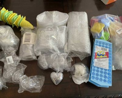 Large amount of molds for Christmas ornaments or bath bombs