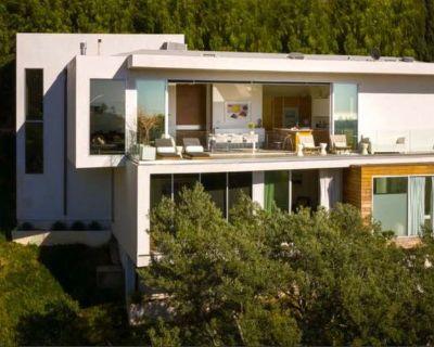 Exquisite Hollywood Estate Sale