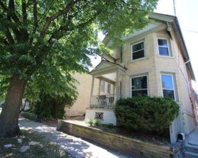 811 E Pleasant St #1, Milwaukee, WI 53202 2 Bedroom Apartment