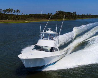 """2019 38'8"""" Viking 38 Billfish"""