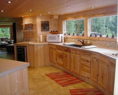Country cabin, fire pit, koi pond, creek, dog friendly - Seaside