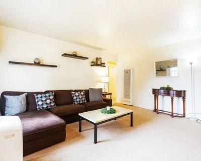 Luxe Modern Retreat in Mountain View Near Google! - Mountain View