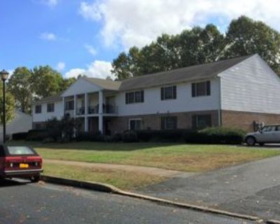 1090 Peggy Drive #7, Hummelstown, PA 17036 2 Bedroom Apartment