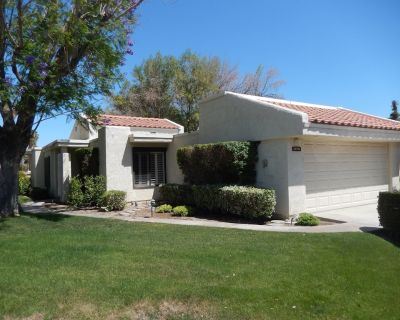 CCCC Condo on Golf Course - Quiet, Close to Palm Springs, Dog Friendly, Pool - Cathedral City