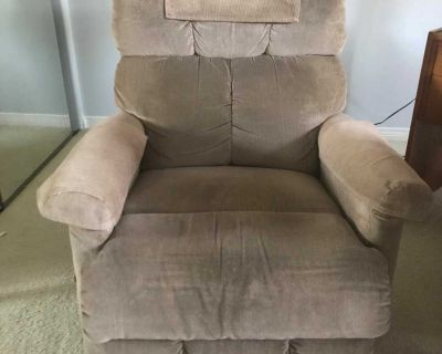 (2) Recliners