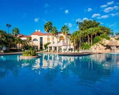 Resort in midst of Disney's Theme Parks - Orlando