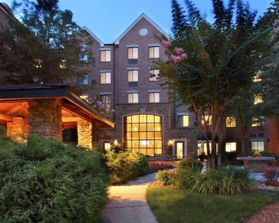 Comfortable Suite with Private Patio Near DC | Free Breakfast + On-Site Fitness Center - McLean