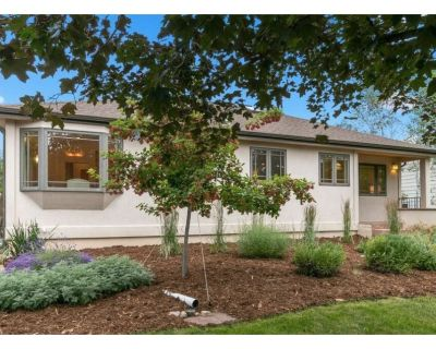 Centrally-Located North Boulder Home with Hot Tub- Sleeps 8 - Newlands