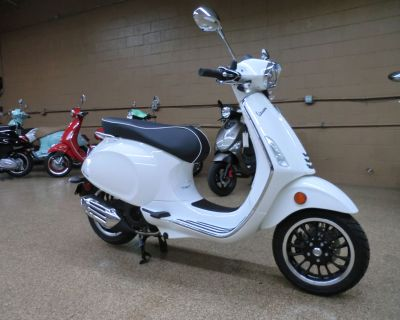 2021 Vespa Sprint 150 Scooter Downers Grove, IL