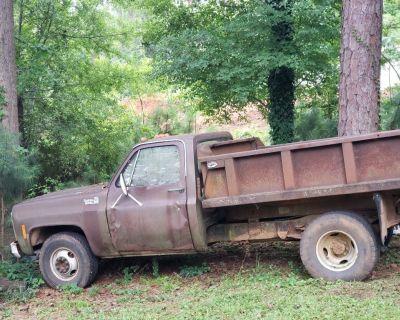 1979 Chevy dump truck C 10