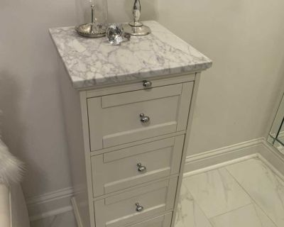 Pottery Barn small chest of drawers