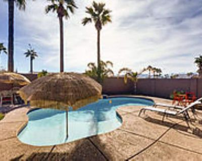 Pool Home~Sleeps 9~FIRE PIT~Near it All~BBQ~55 TV - Laveen Village