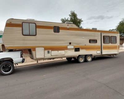1986 alpha gold 36 foot 5 th wheel