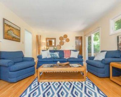 305 305 West 96th TerraceBEDROOM 2Dwww.livehomeroom.com/97th #Bedroom 2d, Kansas City, MO 64114 1 Bedroom Apartment