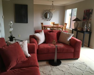 Golf course view, 2 bed/1bath condo. Cable/Wifi, ground floor. Newly furnished. - South Scottsdale