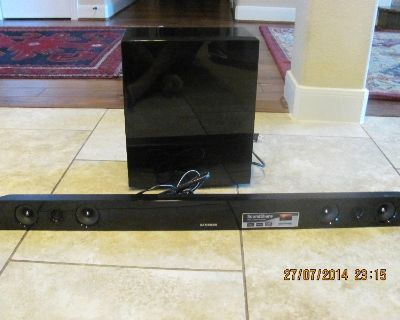 samsung soundbar with bluetooth wireless subwoofer, great condition