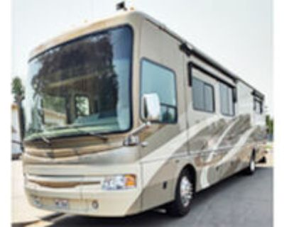 National. Pacifica 2007, diesel pusher, 40ft., 3 slides, new tires