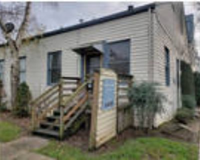 Private Spacious 1 Bedroom ~ New Flooring & Fresh Paint