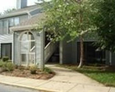 8739 W 106th St, Overland Park, KS 66212 1 Bedroom House