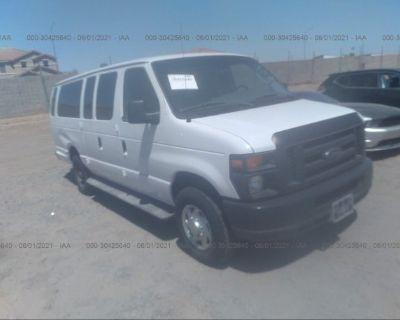 Salvage White 2008 Ford Econoline Wagon
