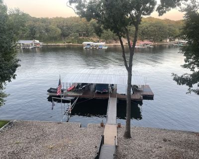 Spacious lake front home, great for remote working - Sunrise Beach
