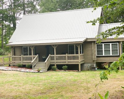 Beautiful Cabin on Private Wooded Acreage - Rising Fawn