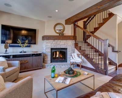 Steps to Trails - Great Hiking/biking - Private Hot Tub Abode on Three Kings - Downtown Park City